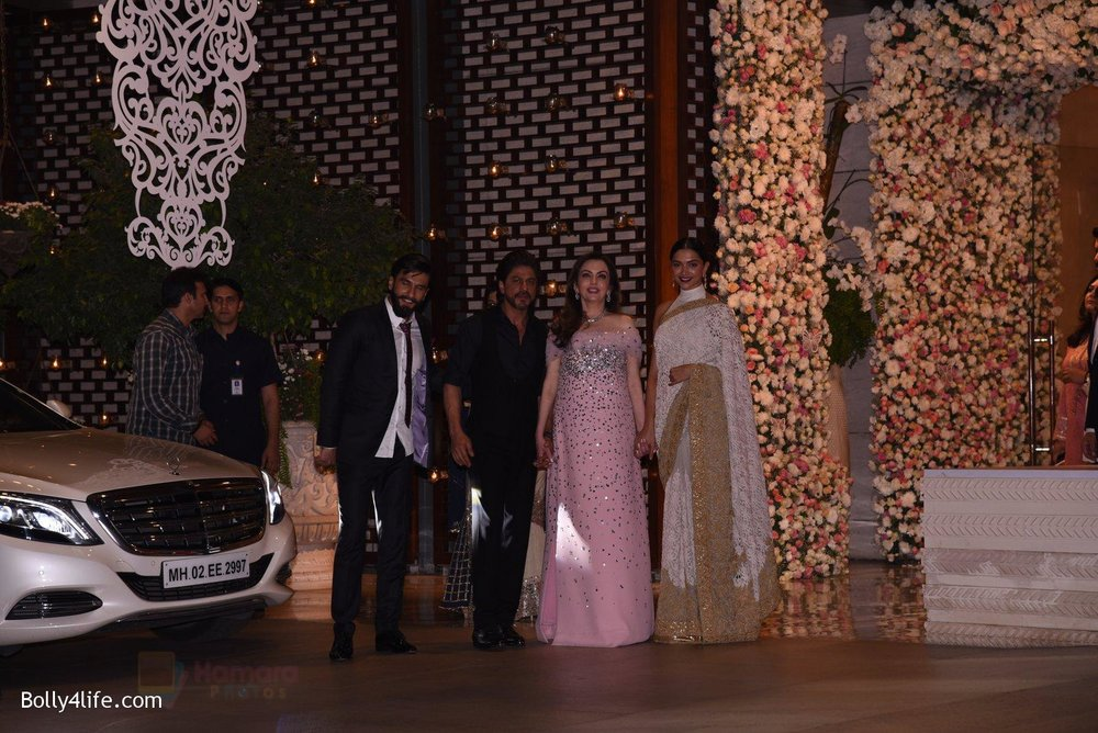 Deepika-Padukone-Ranveer-Singh-at-the-Ambanis-wedding-party-of-their-niece-Isheta-Salgaoncar-4.jpg