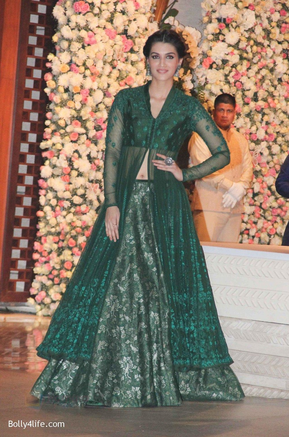 Kriti-Sanon-at-the-Ambanis-wedding-party-of-their-niece-Isheta-Salgaoncar-3.jpg