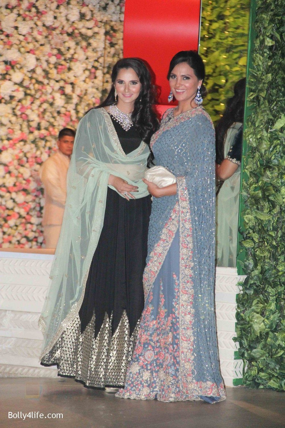 Sania-Mirza-Lara-Dutta-at-the-Ambanis-wedding-party-of-their-niece-Isheta-Salgaoncar-1.jpg
