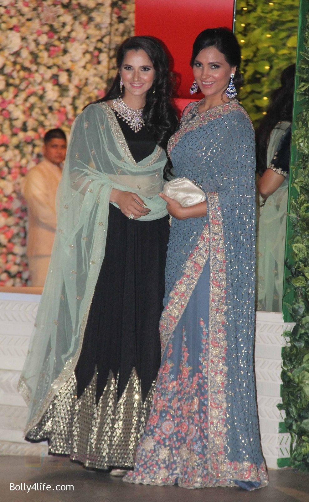 Sania-Mirza-Lara-Dutta-at-the-Ambanis-wedding-party-of-their-niece-Isheta-Salgaoncar-2.jpg