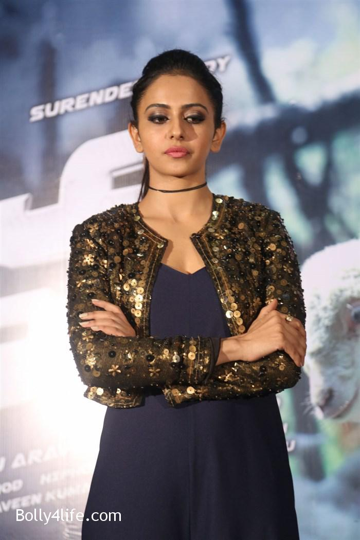 actress_rakul_preet_photos_dhruva_trailer_release_11df064.jpg