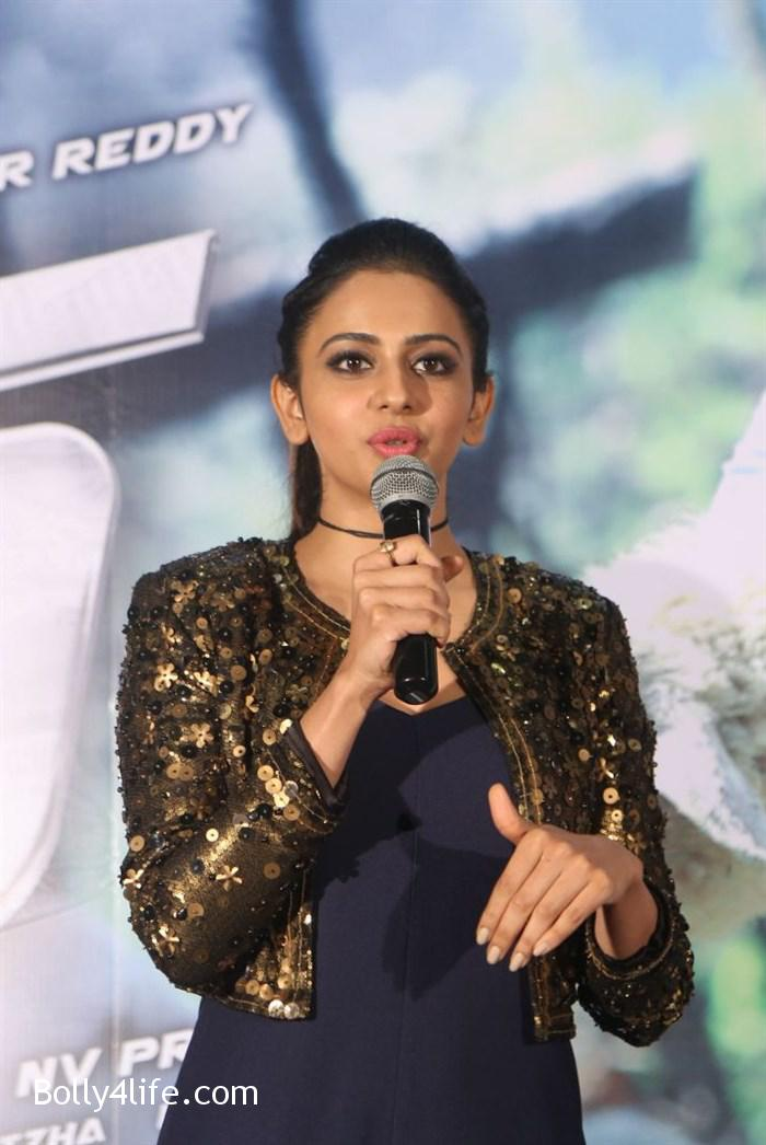 actress_rakul_preet_photos_dhruva_trailer_release_33e6c1c.jpg