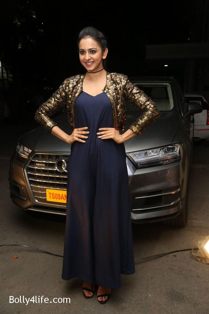 actress_rakul_preet_photos_dhruva_trailer_release_134a8be.jpg