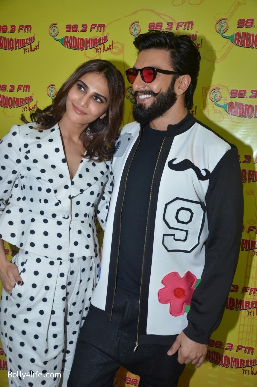 Ranveer-Singh-and-Veena-Kapoor-during-the-promotion-of-film-Befikre-at-Radio-Mirchi-studio-1.jpg