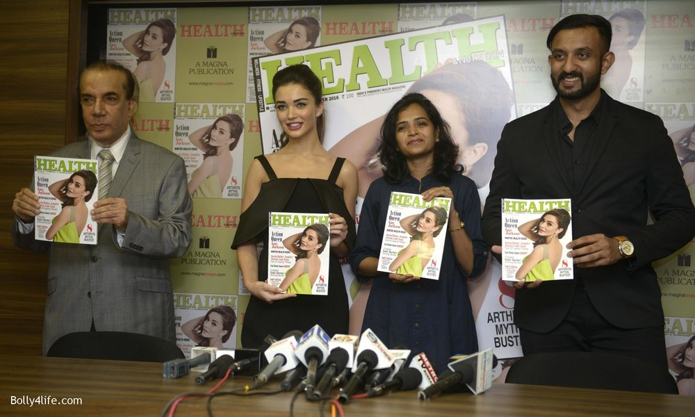Amy-Jackson-during-the-Health-Nutrition-magazine-cover-unveiling-of-the-December-2016-issue-6.jpg