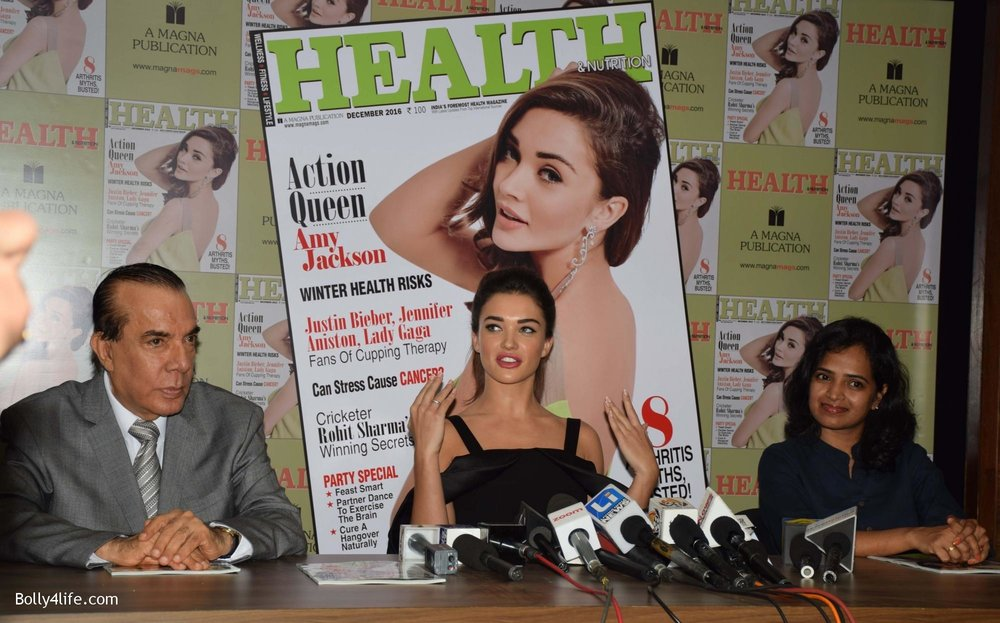 Amy-Jackson-during-the-Health-Nutrition-magazine-cover-unveiling-of-the-December-2016-issue-18.jpg