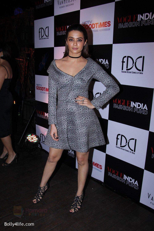Surveen-Chawla-at-Vogue-India-Fashion-Fund-Event-2.jpg
