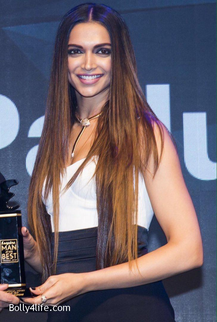 Deepika-Padukone-at-the-Esquire-Awards-2016-5.jpg
