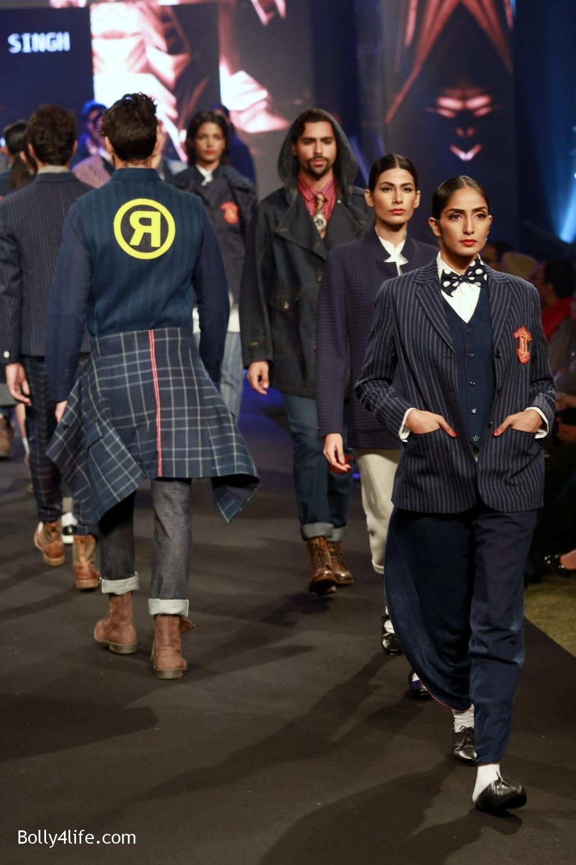 Aditya-Roy-Kapur-walks-on-ramp-for-designer-Rajesh-Pratap-Singhs-show-during-the-Blenders-Pride-Fashion-Tour-2016-1.jpg