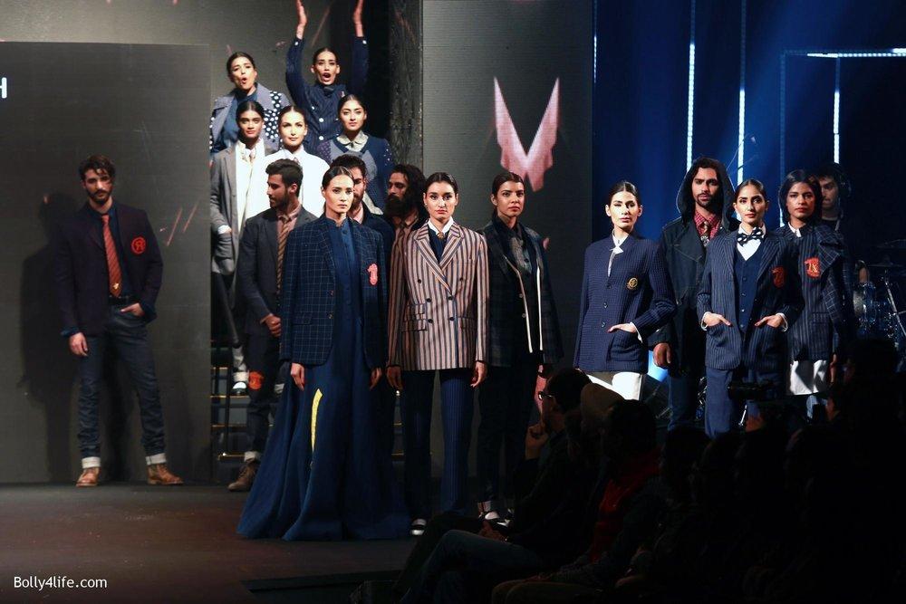 Aditya-Roy-Kapur-walks-on-ramp-for-designer-Rajesh-Pratap-Singhs-show-during-the-Blenders-Pride-Fashion-Tour-2016-8.jpg