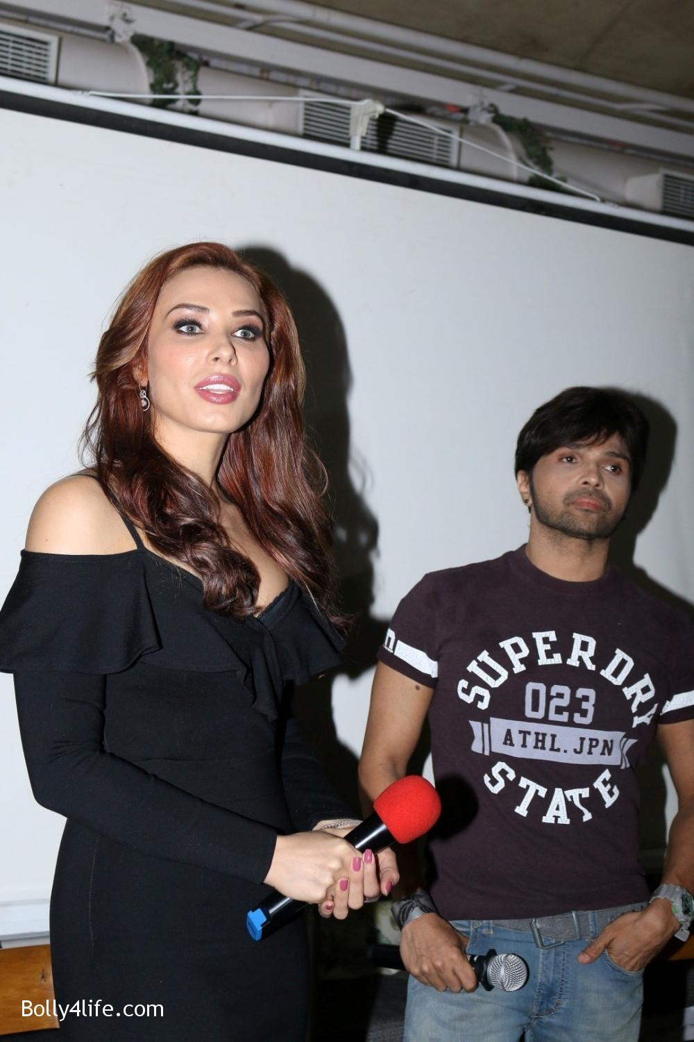 Salman-Khans-friend-Iulia-Vantur-during-teaser-launch-of-song-Every-Night-and-Day-3.jpg