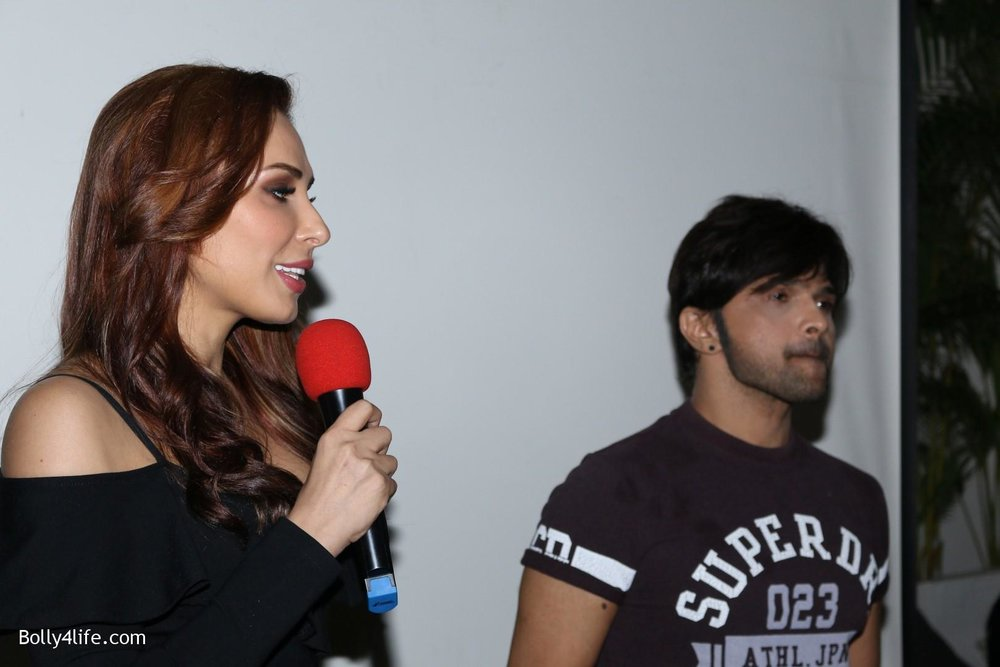 Salman-Khans-friend-Iulia-Vantur-during-teaser-launch-of-song-Every-Night-and-Day-10.jpg