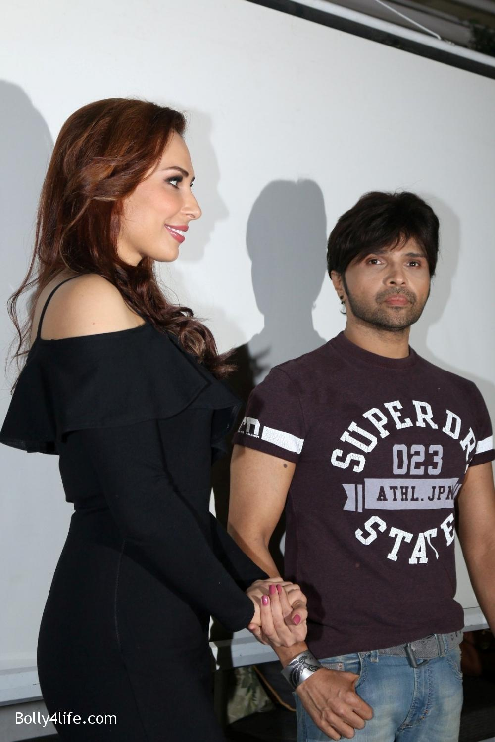 Salman-Khans-friend-Iulia-Vantur-during-teaser-launch-of-song-Every-Night-and-Day-16.jpg
