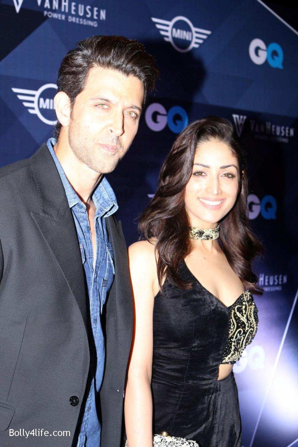 Hrithik-Roshan-and-Yami-Gautam-during-the-Van-Heusen-GQ-Fashion-Nights-in-Mumbai.jpg