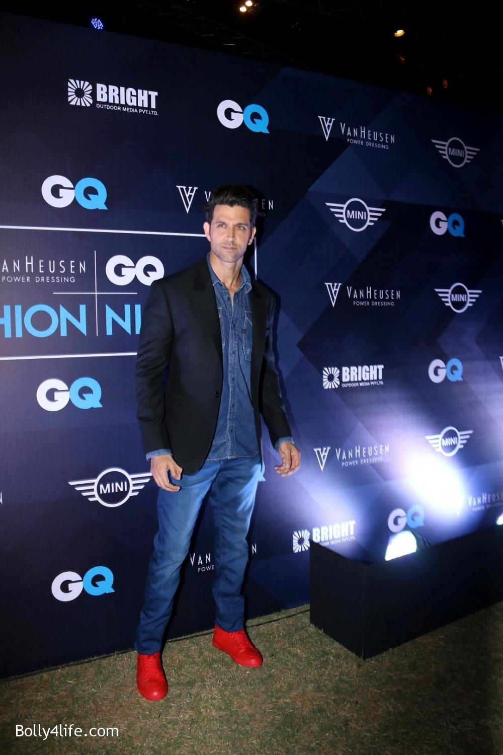 Hrithik-Roshan-during-the-Van-Heusen-GQ-Fashion-Nights-in-Mumbai-2.jpg