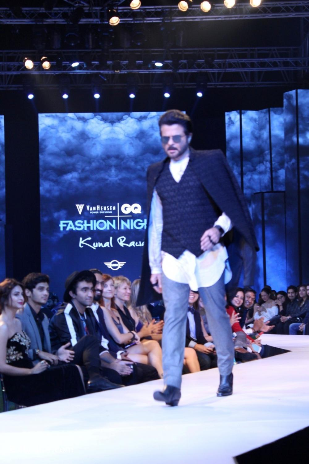 Anil-Kapoor-displays-the-creation-of-fashion-designer-Kunal-Rawal-1.jpg