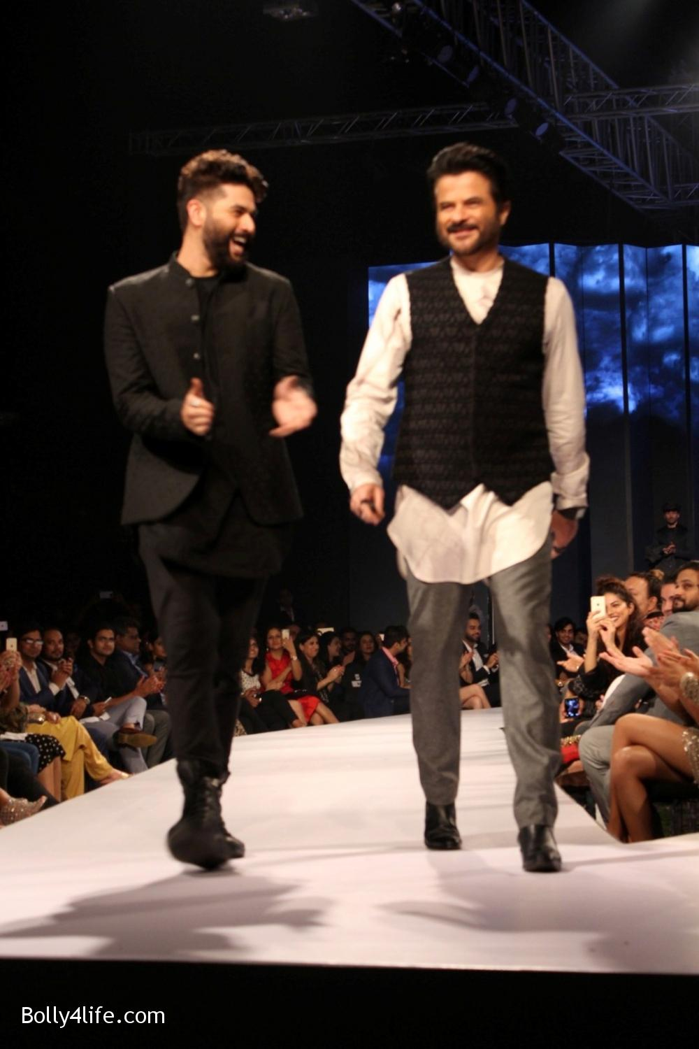Anil-Kapoor-displays-the-creation-of-fashion-designer-Kunal-Rawal-2.jpg