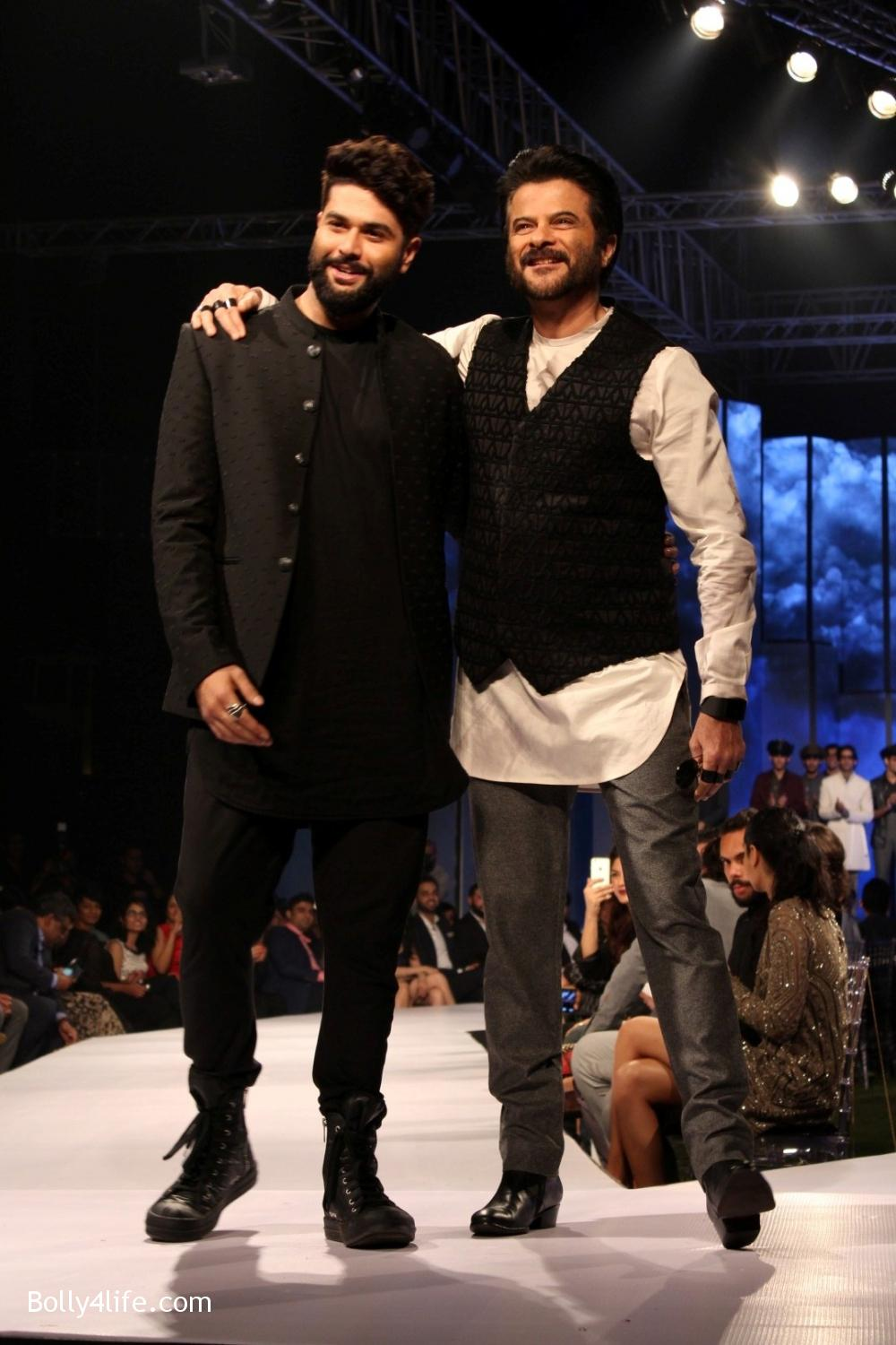 Anil-Kapoor-displays-the-creation-of-fashion-designer-Kunal-Rawal-4.jpg