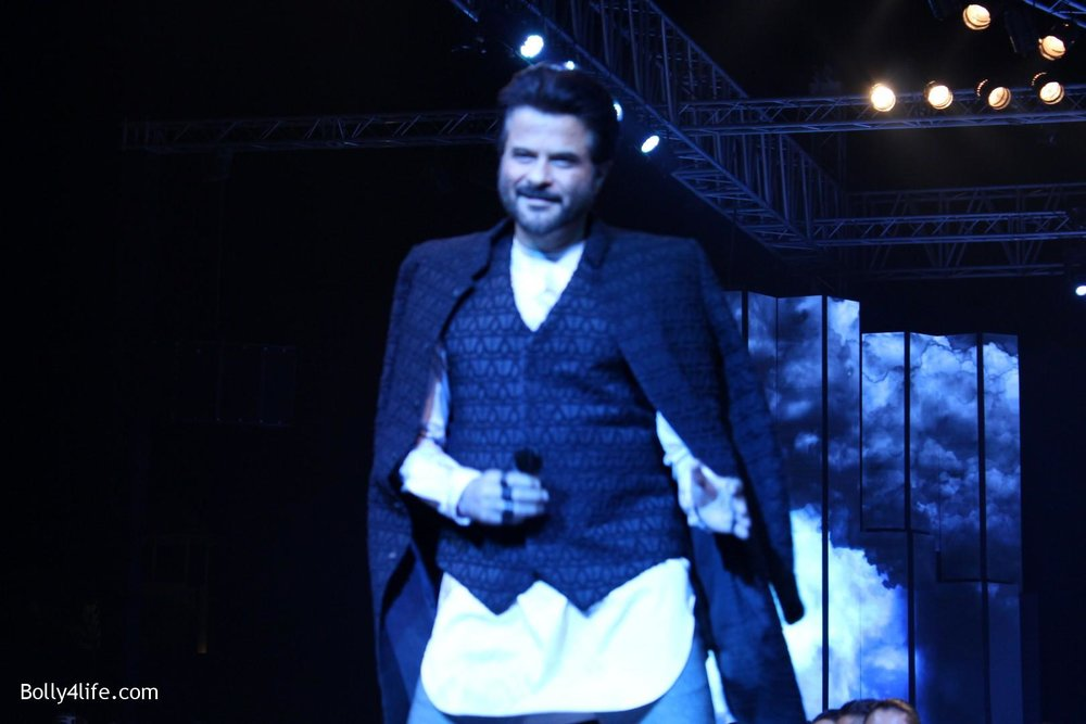 Anil-Kapoor-displays-the-creation-of-fashion-designer-Kunal-Rawal-5.jpg