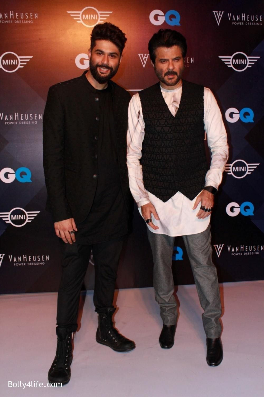 Anil-Kapoor-displays-the-creation-of-fashion-designer-Kunal-Rawal-7.jpg