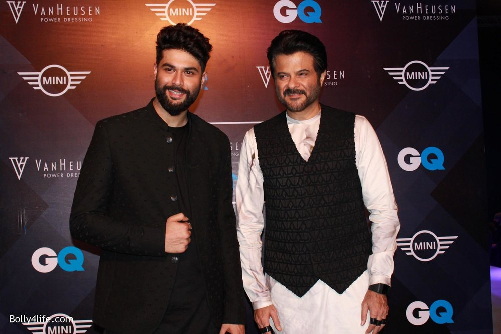 Anil-Kapoor-displays-the-creation-of-fashion-designer-Kunal-Rawal-8.jpg