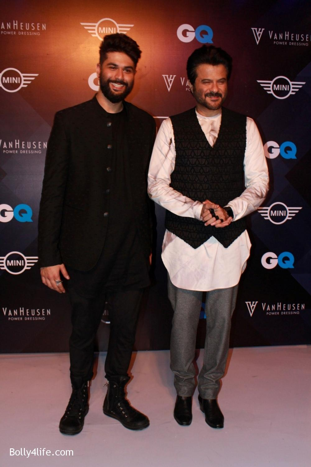 Anil-Kapoor-displays-the-creation-of-fashion-designer-Kunal-Rawal-9.jpg