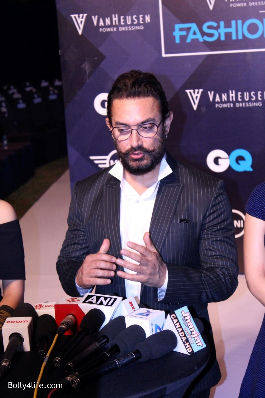 Fatima-Sana-Shaikh-Aamir-Khan-and-Sanya-Malhotra-during-the-2nd-edition-of-Van-Heusen-GQ-Fashion-Nights-7.jpg