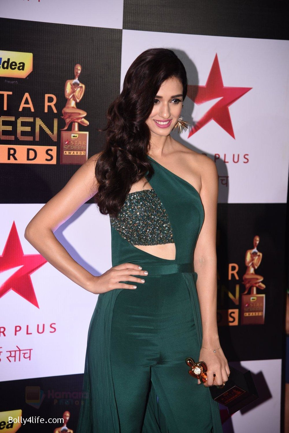 Disha-Patani-at-22nd-Star-Screen-Awards-2016-1.jpg
