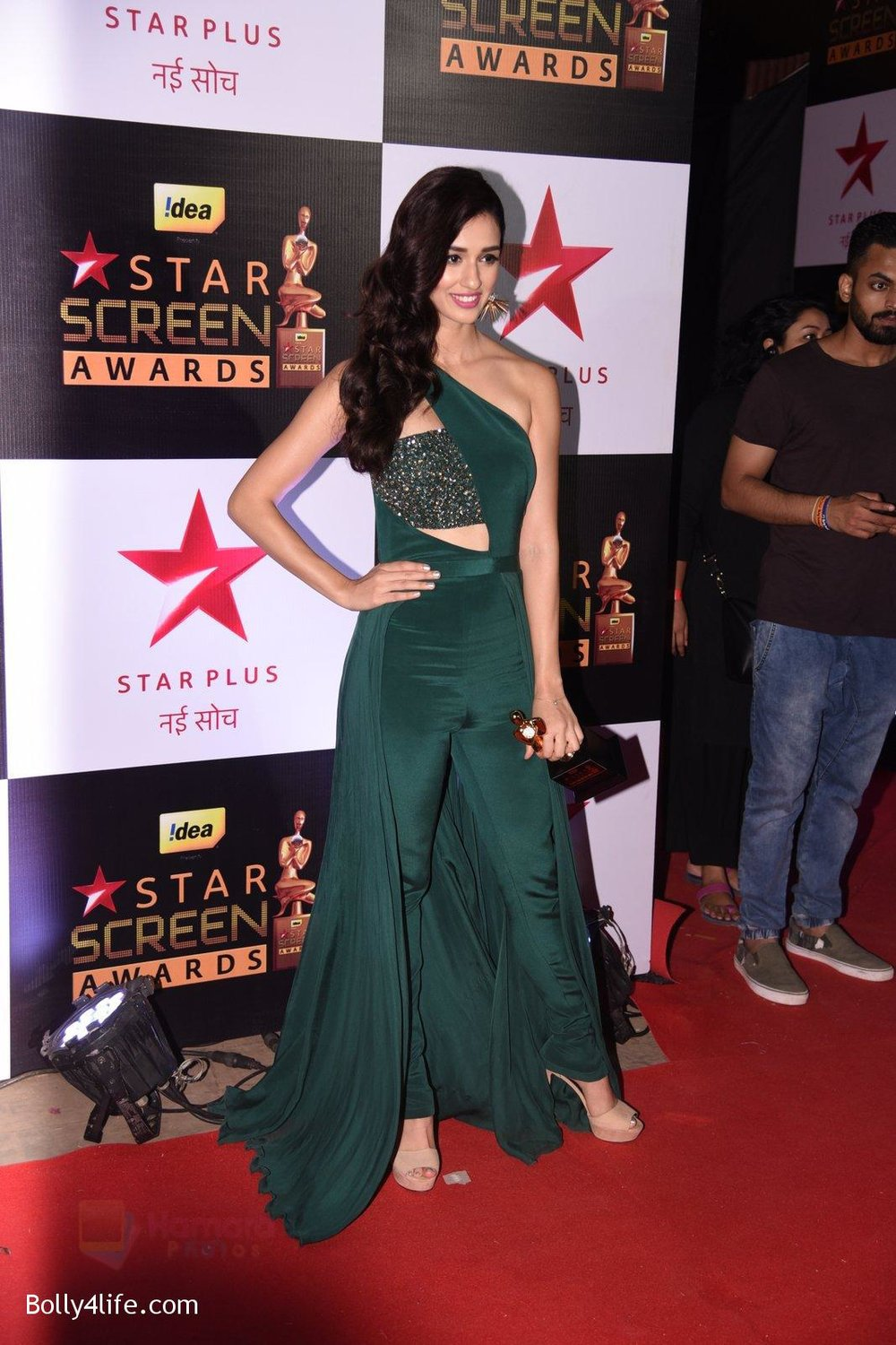 Disha-Patani-at-22nd-Star-Screen-Awards-2016-2.jpg