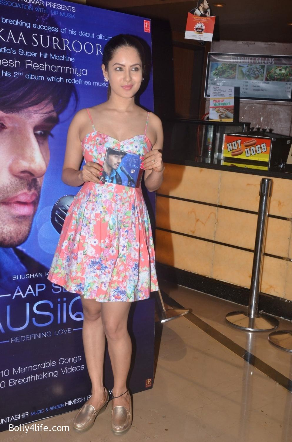 launch-of-Himesh-Reshammiyas-music-album-Aap-Se-Mausiiquii-2.jpg