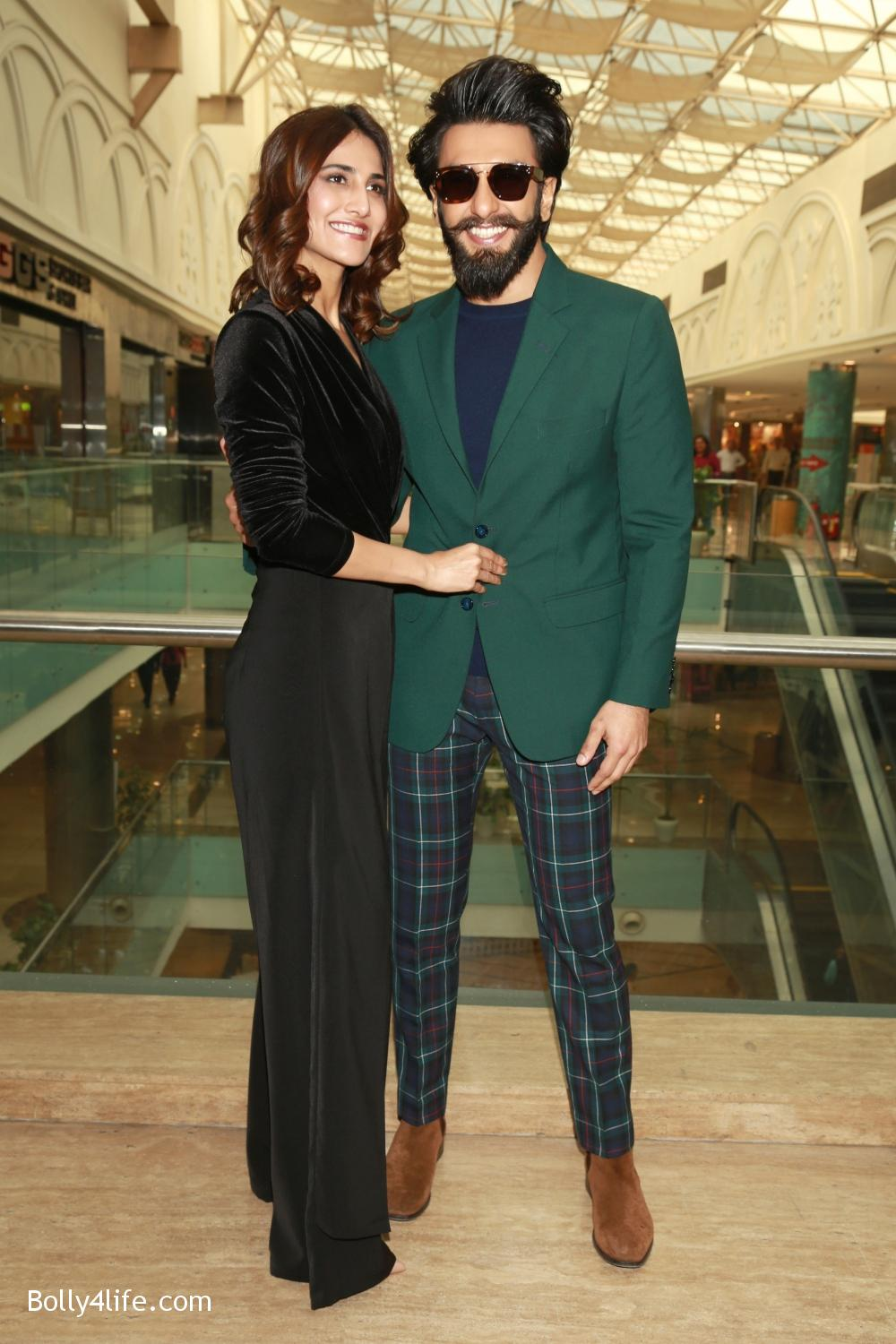 Ranveer-Singh-and-Vaani-Kapoor-during-the-promotion-of-their-upcoming-film-Befikre-12.jpg