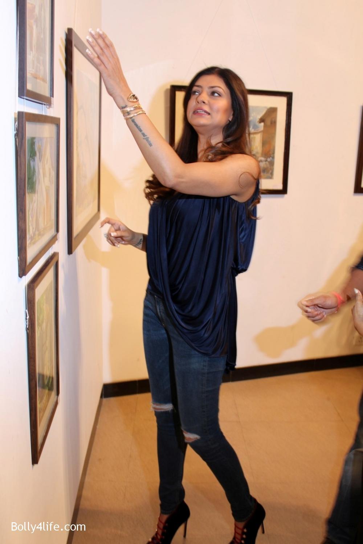 Sushmita-Sen-inaugurates-art-show-Masterstrokes-6.jpg
