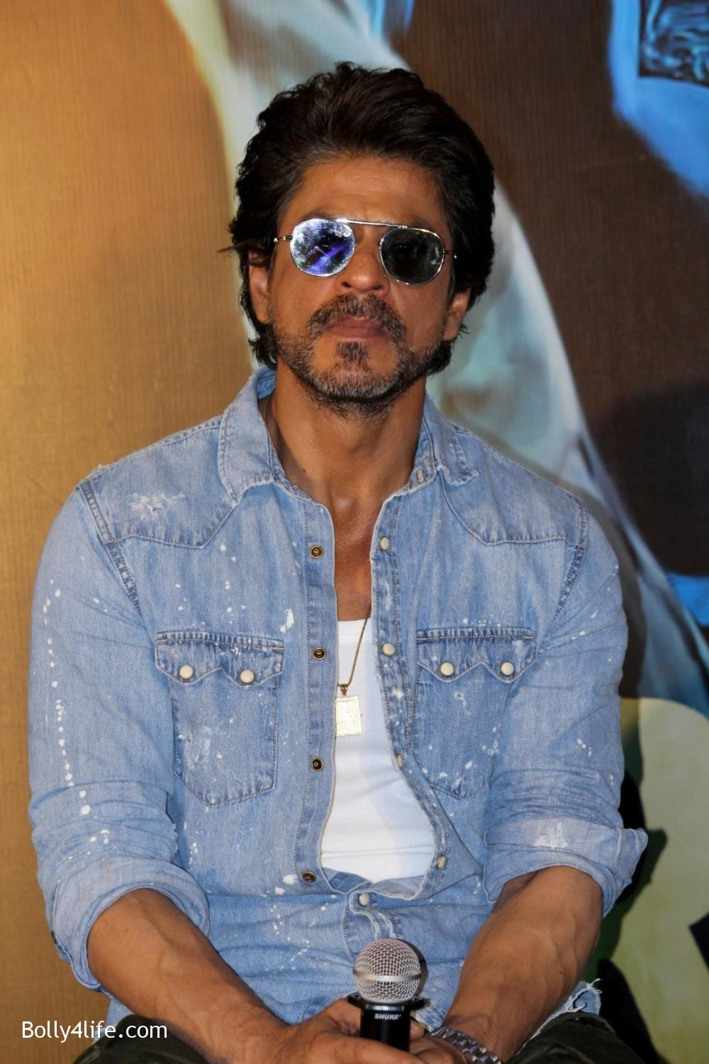 Trailer-launch-of-film-Raees-1.jpg
