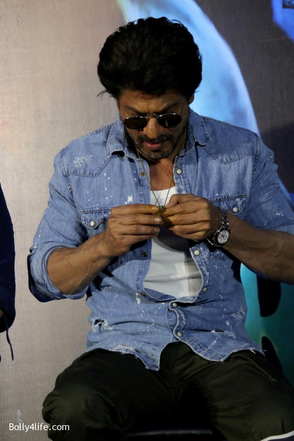 Trailer-launch-of-film-Raees-5.jpg