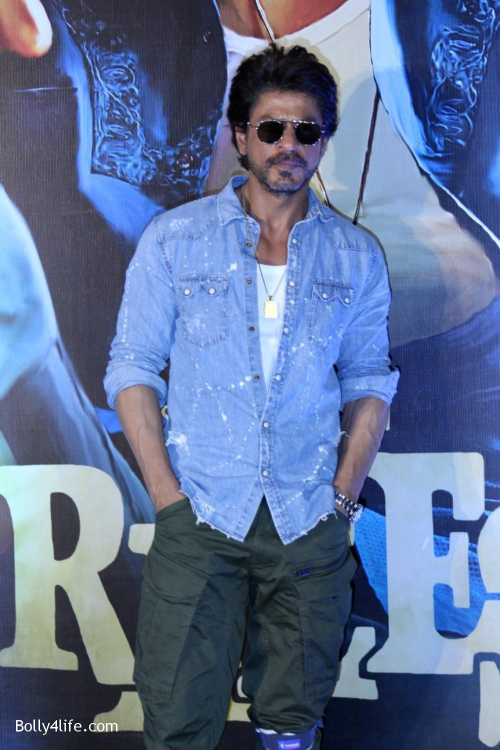 Trailer-launch-of-film-Raees-8.jpg