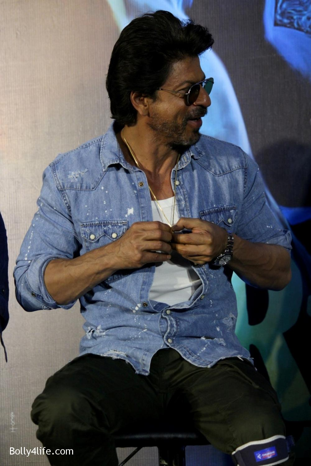 Trailer-launch-of-film-Raees-11.jpg