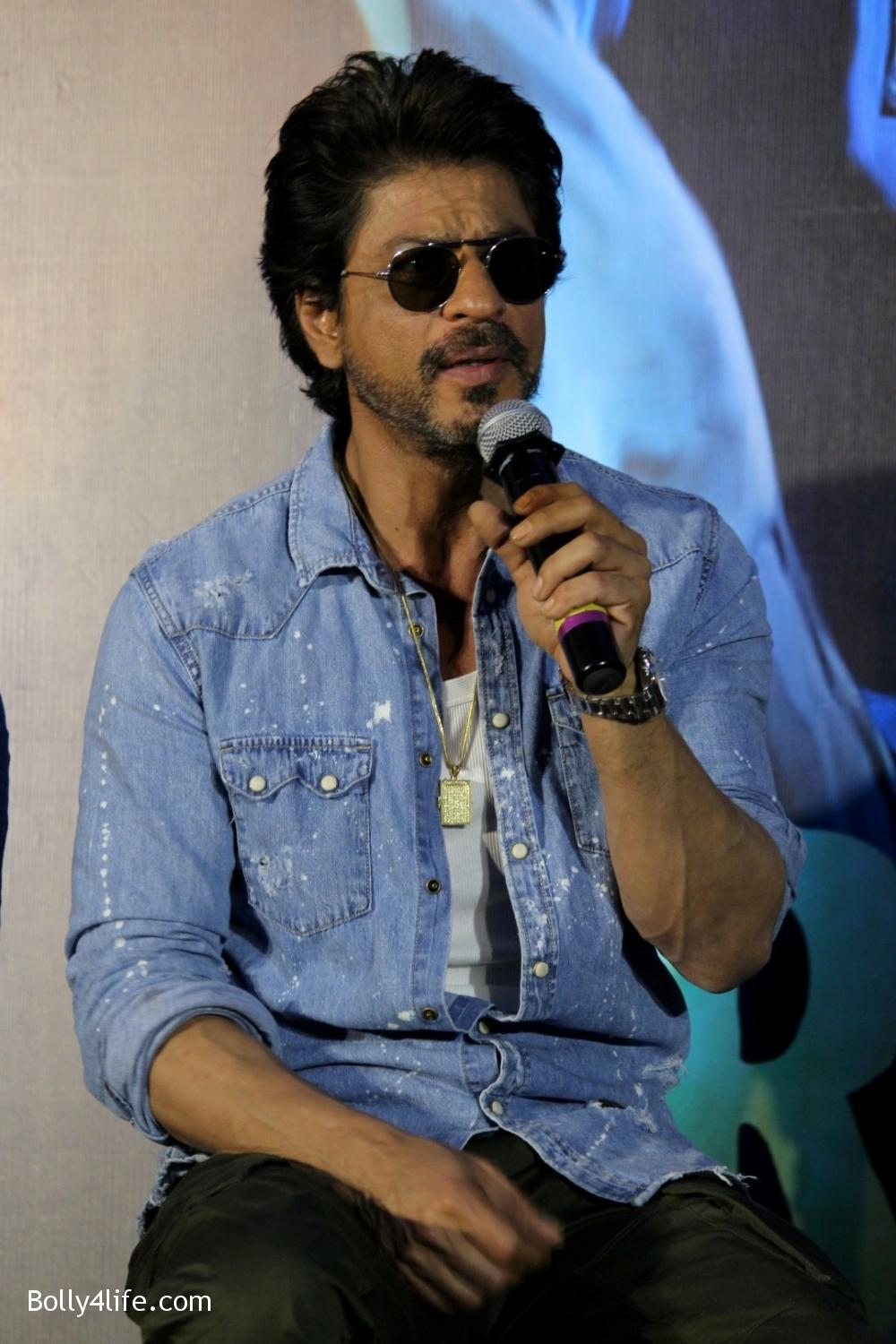 Trailer-launch-of-film-Raees-12.jpg
