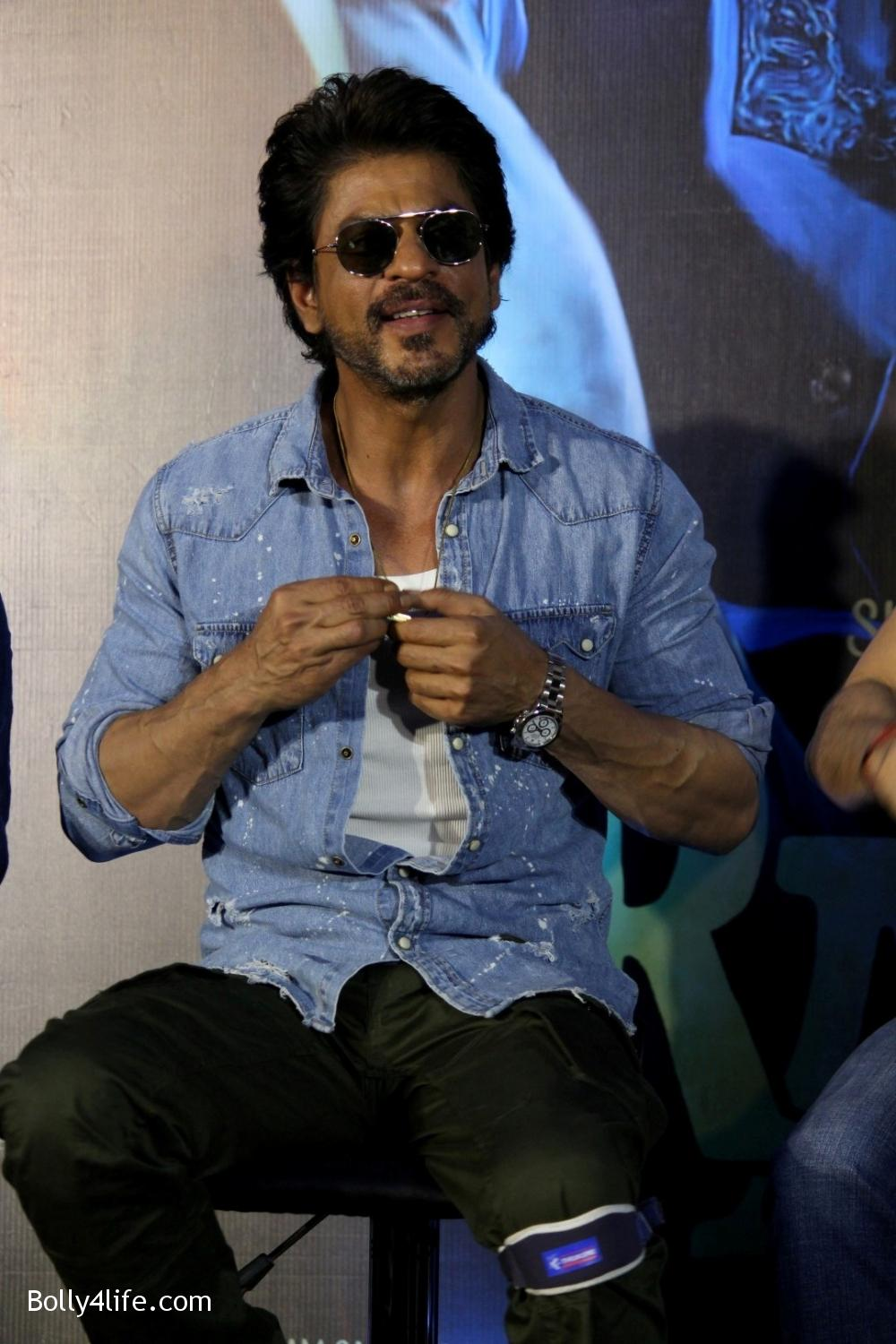 Trailer-launch-of-film-Raees-16.jpg