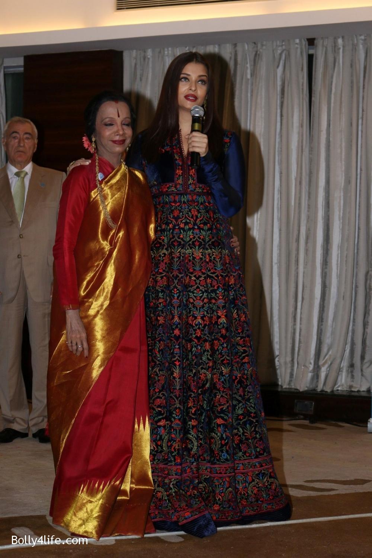 Aishwarya-Rai-Bachchan-during-49th-World-Congress-on-Dance-Research-2.jpg