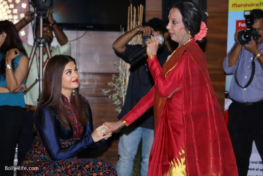 Aishwarya-Rai-Bachchan-during-49th-World-Congress-on-Dance-Research-8.jpg