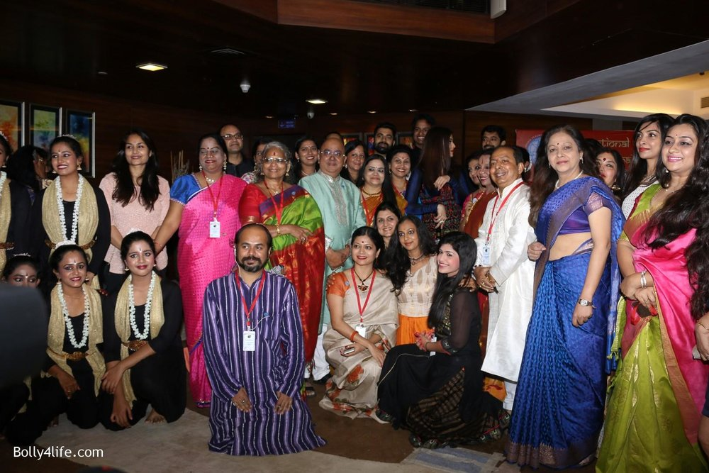 Aishwarya-Rai-Bachchan-during-49th-World-Congress-on-Dance-Research-9.jpg
