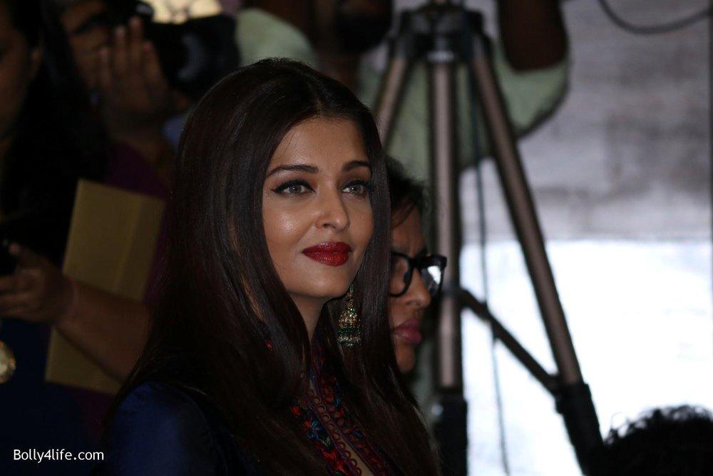 Aishwarya-Rai-Bachchan-during-49th-World-Congress-on-Dance-Research-12.jpg