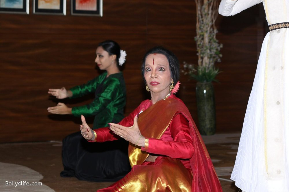 Aishwarya-Rai-Bachchan-during-49th-World-Congress-on-Dance-Research-25.jpg