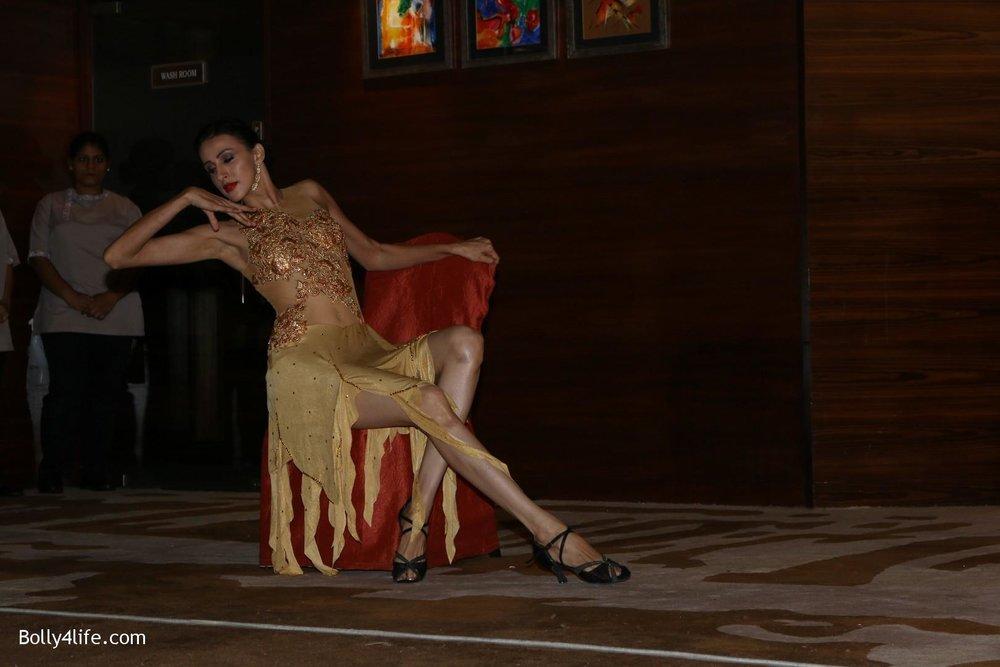 Aishwarya-Rai-Bachchan-during-49th-World-Congress-on-Dance-Research-26.jpg