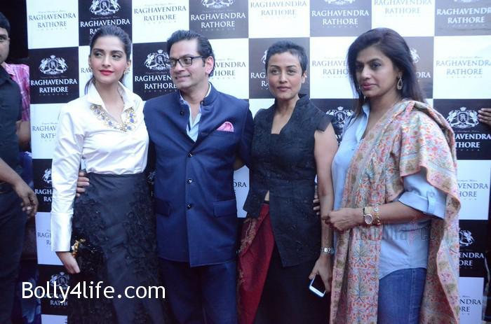 Sonam-Kapoor-Launches-Raghavendra-Rathore-Store-5.jpg