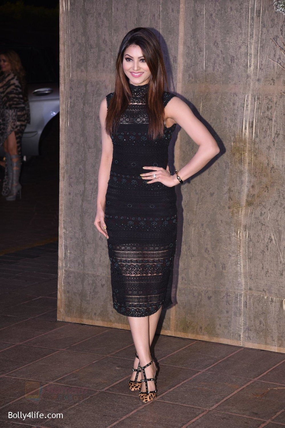 Urvashi-Rautela-at-Manish-Malhotra�s-50th-birthday-bash-hosted-by-Karan-Johar-3.jpg