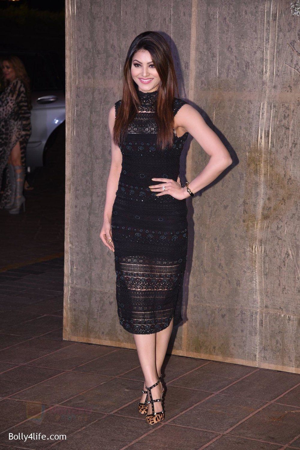 Urvashi-Rautela-at-Manish-Malhotra�s-50th-birthday-bash-hosted-by-Karan-Johar-4.jpg