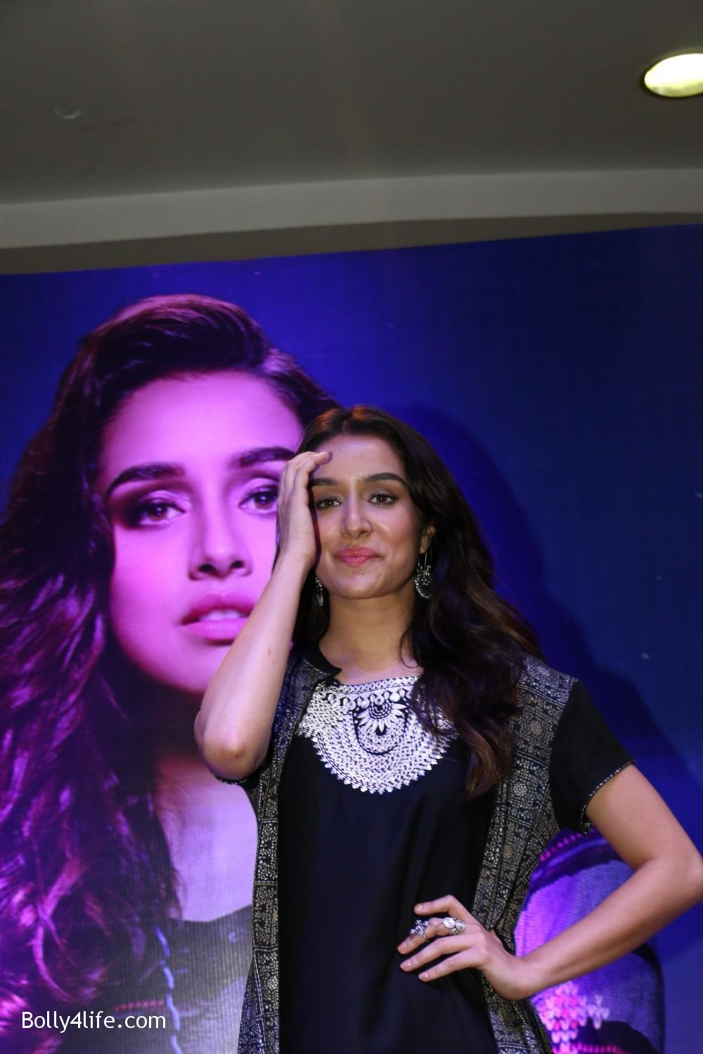 Shraddha-Kapoor-during-the-Enthnic-Wear-store-launch-2.jpg