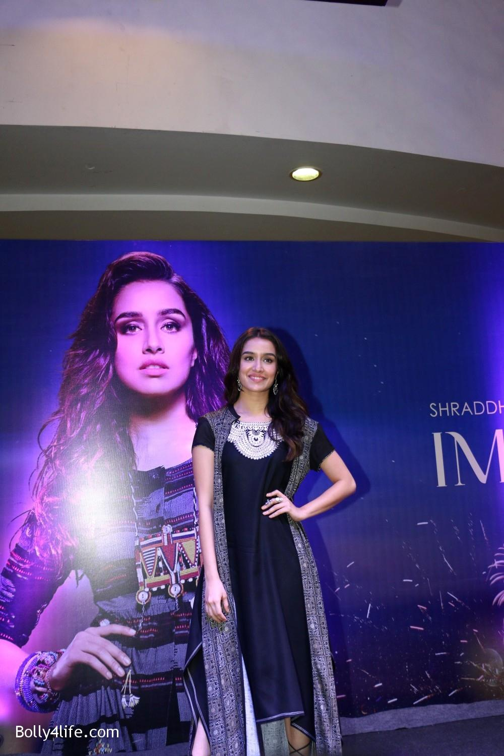 Shraddha-Kapoor-during-the-Enthnic-Wear-store-launch-3.jpg