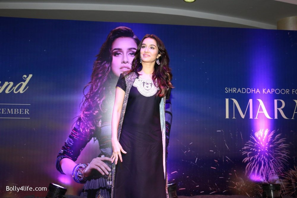 Shraddha-Kapoor-during-the-Enthnic-Wear-store-launch-5.jpg